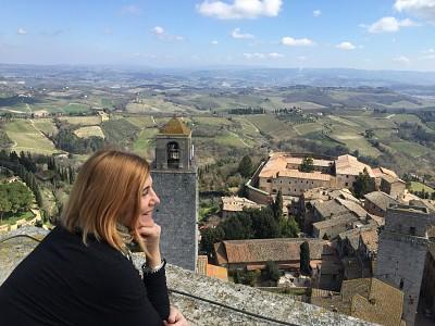 Uma das torres medievais na Toscana