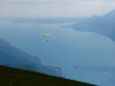Planing a luxury adventurous vacation? Monte Baldo, Garda and paraglider flying.