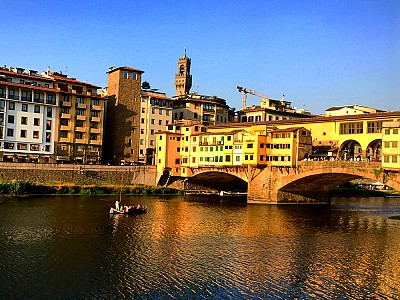 Can you resist to such beauty. Ponte Vecchio, Florence.
